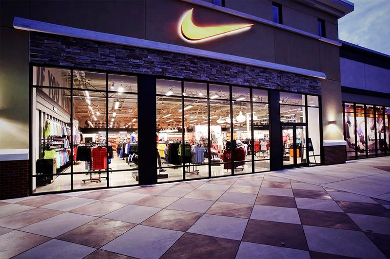 Собственные магазины Nike