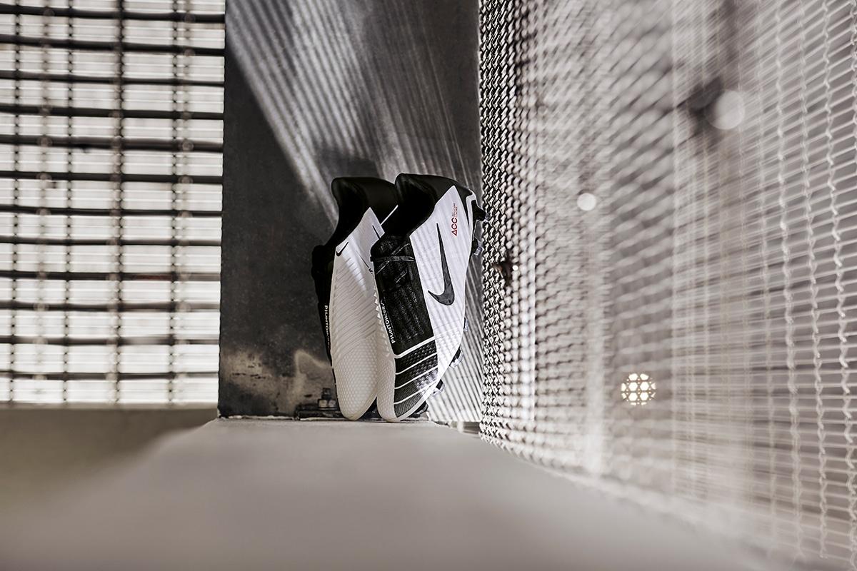Nike Phantom Venom Elite