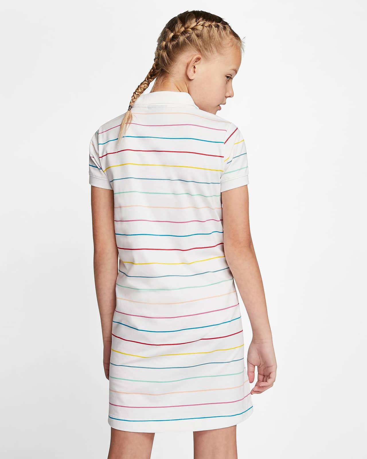 Платье Nike – вид сзади