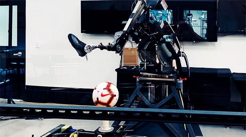 Робо-нога в лаборатории