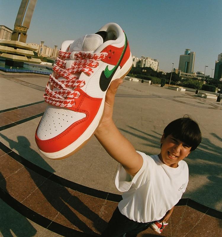 Демонстрация Nike SB x FRAME Dunk