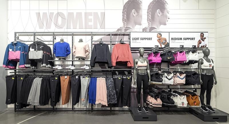 Секция женской одежды