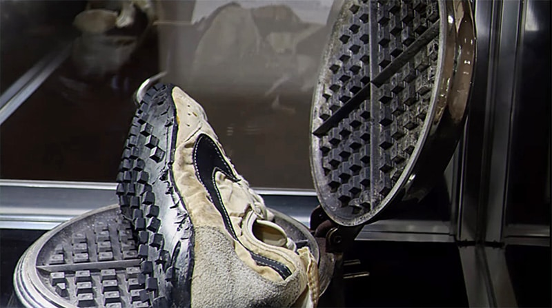 Кроссовки с вафелеобразной подошвой