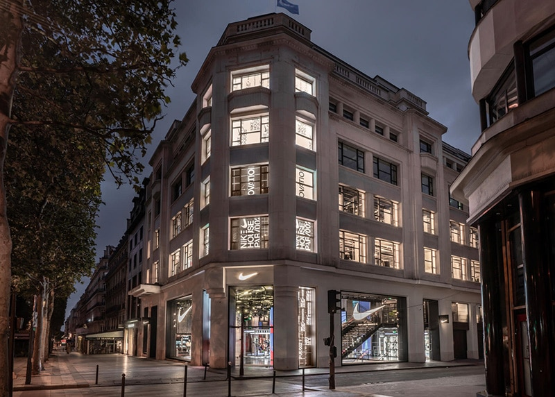 Фасад Дома инноваций Nike в Париже