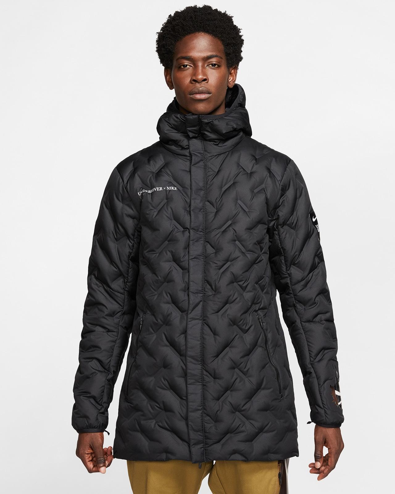 Тёмное пальто