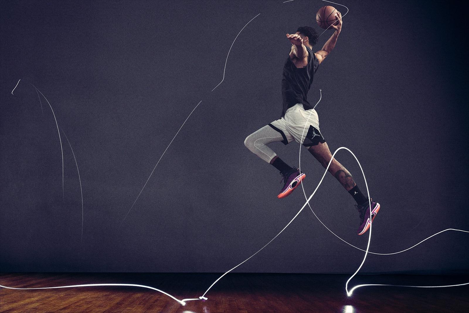 Джейсон Татум в прыжке